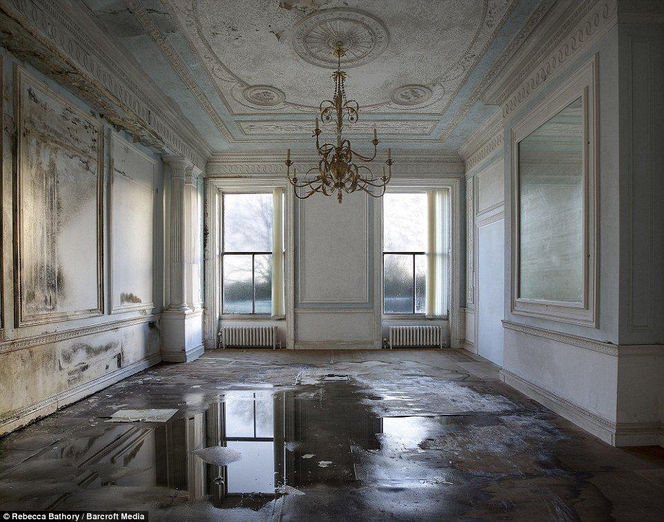 Красота и таинственность заброшенных зданий