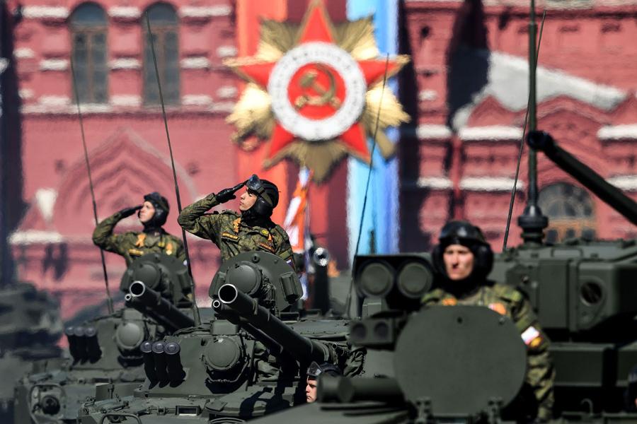 Военная техника во время репетиции парада Победы 7 мая, 2017.