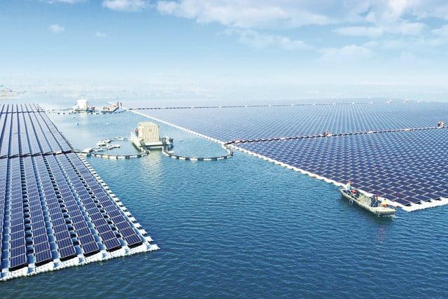 Солнечная электростанция на воде в Китае
