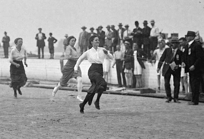 Женский забег. Ванкувер, 1915.