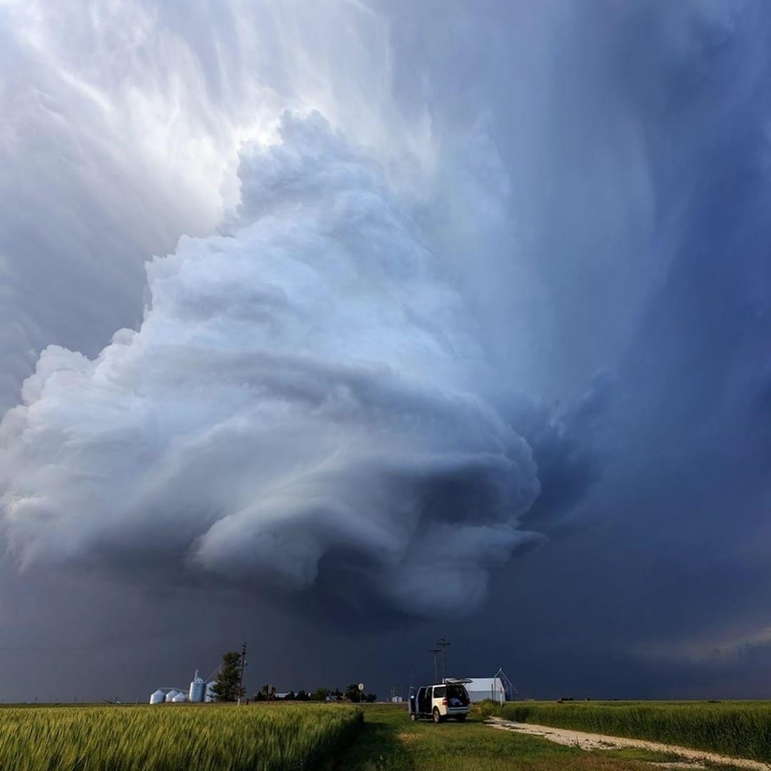 Красивейшие фотографии шторма и молнии