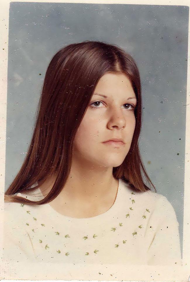 Девушки-подростки с длинными волосами в Дейтоне 1970-х годов