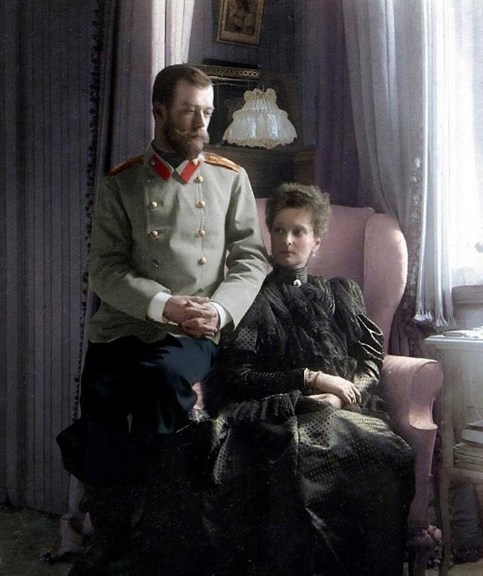 Удивительная коллекция раскрашенных винтажных фотографий из России