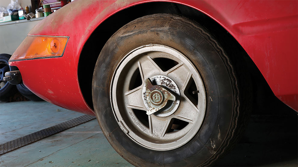 В Японии нашли редкий Ferrari простоявший 40 лет в гараже