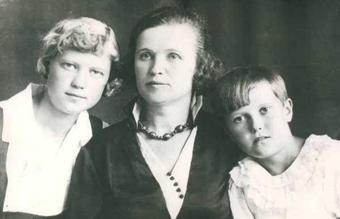 Катерина Калинина с детьми.