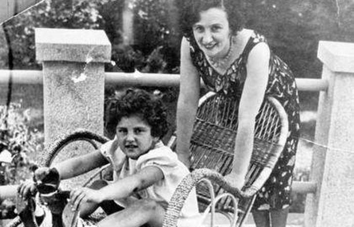 Евгения Фейгенберг с приемной дочерью.