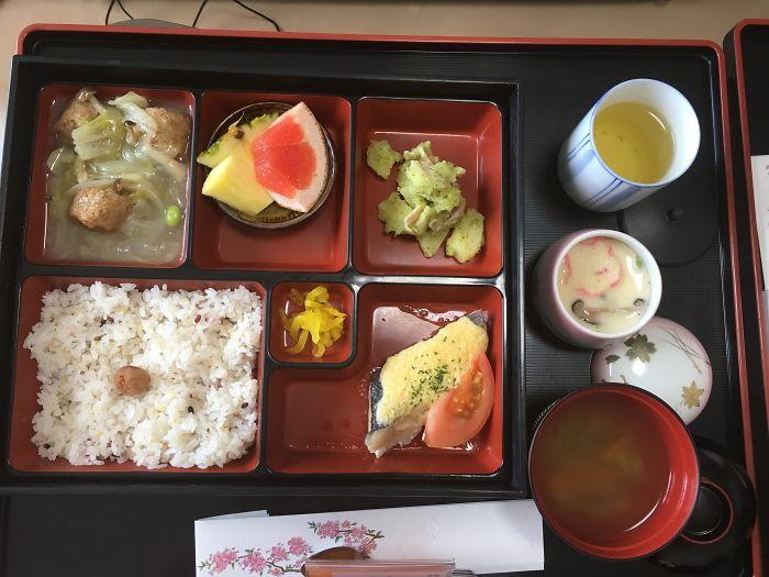 Что едят в роддомах Японии