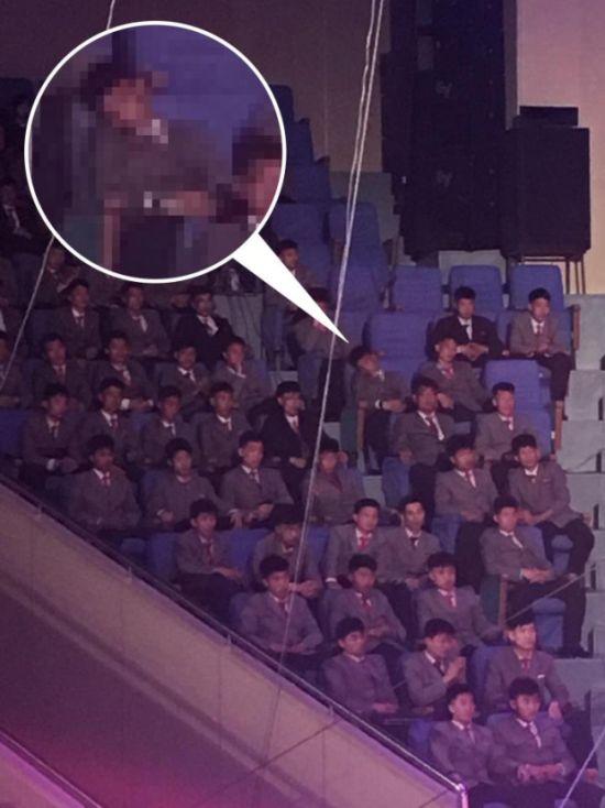 Чего нельзя делать на публичных мероприятиях в Северной Корее
