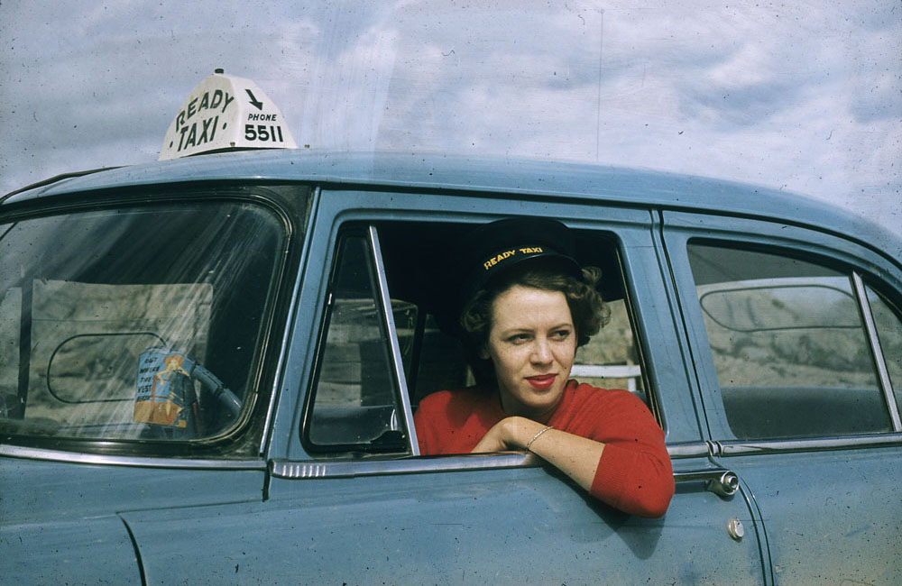 Таксистка, 1956 год