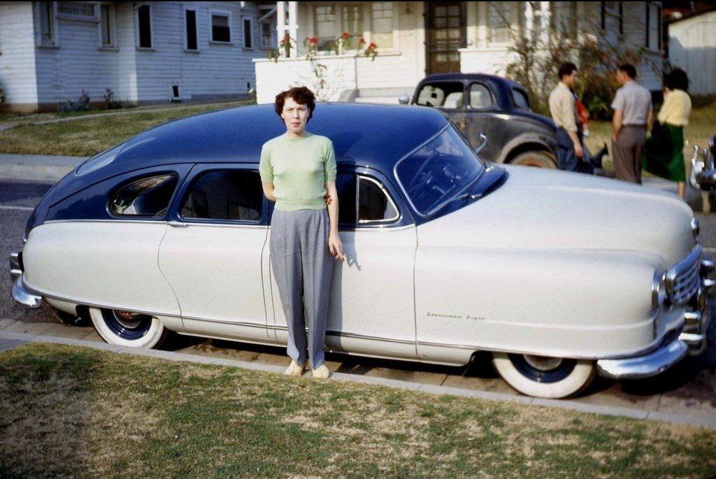 Девушка у машины, Лос-Анджелес, 1951 год