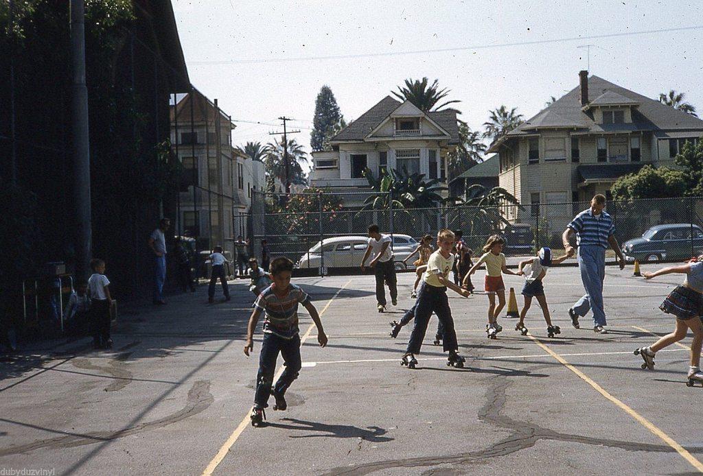 Дети на площадке. Лос-Анджелес, 1954 год