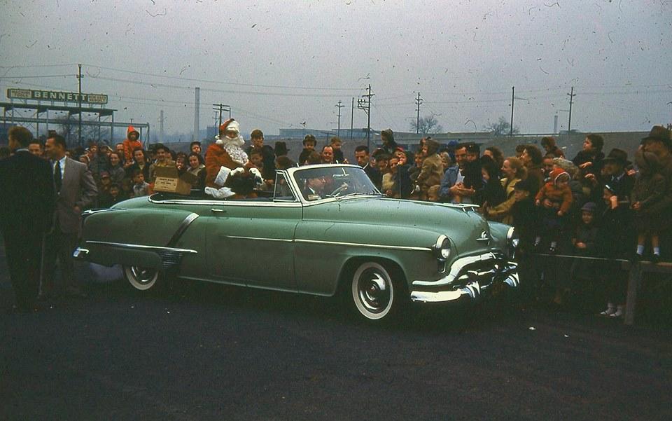 Санта-Клаус в автомобиле, 1951