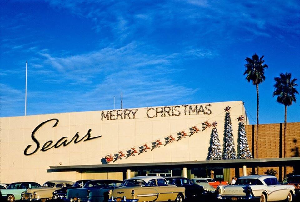 Универмаг Sears с рождественскими украшениями, 1957