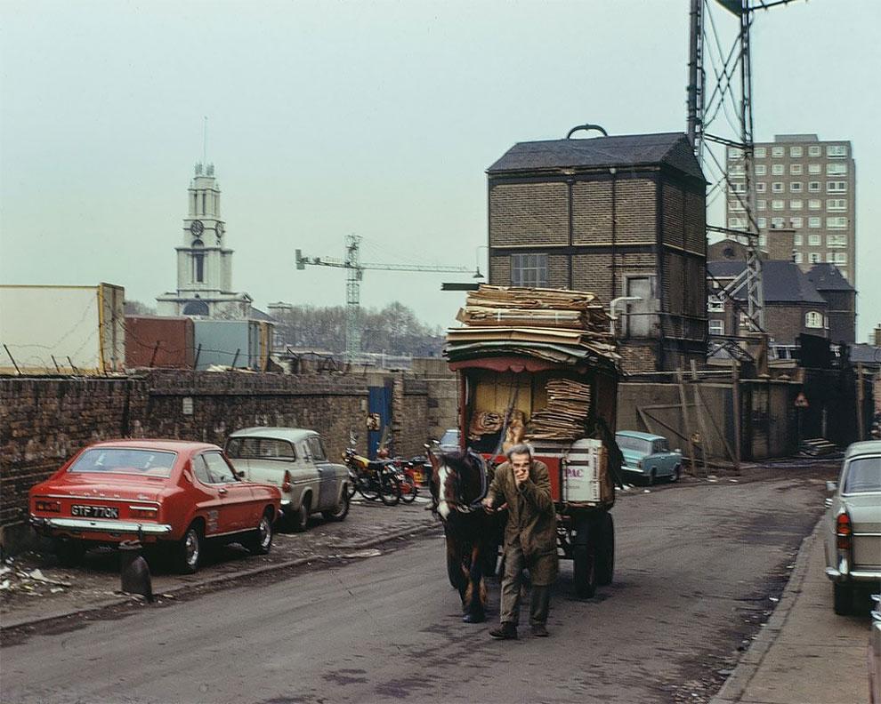 «Ист-Энд в цвете»: редкие фотографии Лондона в 1960-е и 1970-е годы