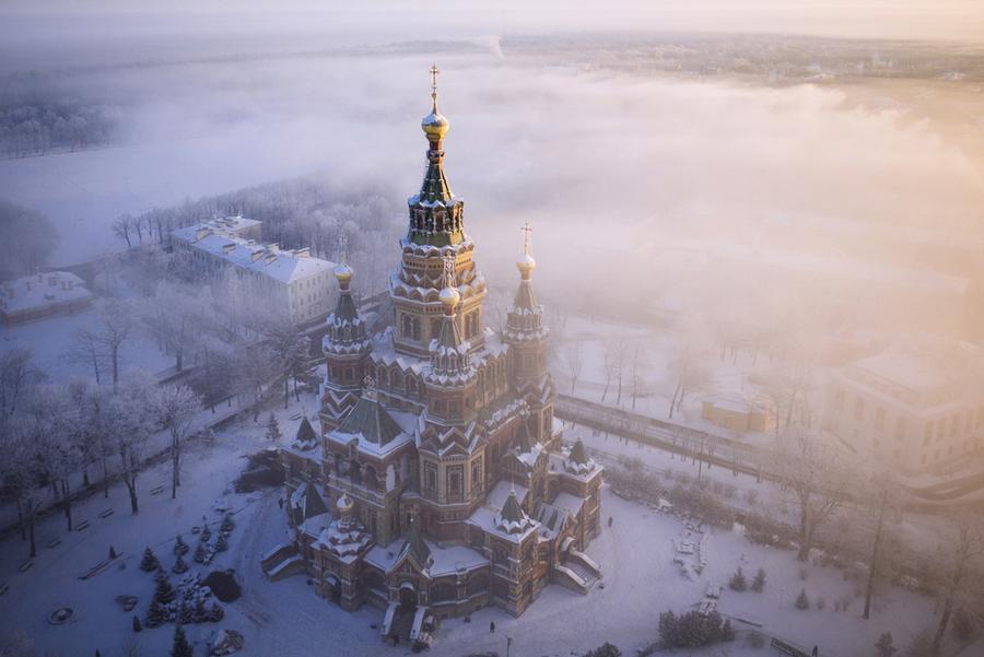 Петропавловский собор в зимнем тумане
