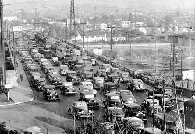 Пробки на мосту через реку Лос-Анджелесе, 1937