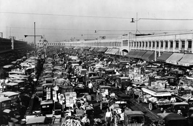 Покупатели создают пробки на оптовом рынке в Лос-Анджелесе, 1927