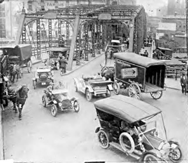 Движение на мосту в Чикаго, штат Иллинойс, 1927
