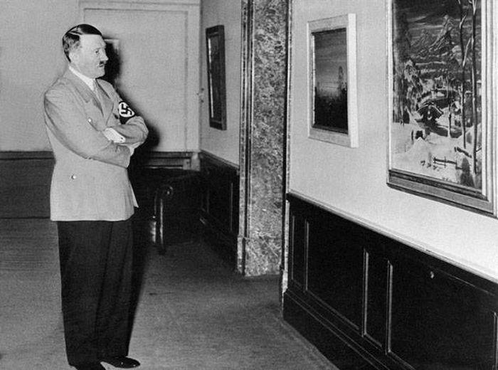 Сколько денег было у Гитлера?