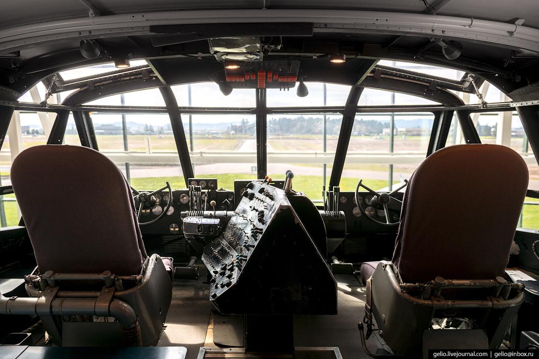 Hughes H-4 Hercules - самый большой в мире гидросамолёт
