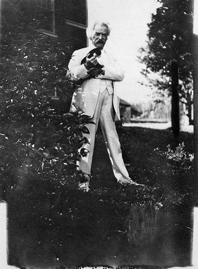 Редкие фотографии Марка Твена и его любимых кошек