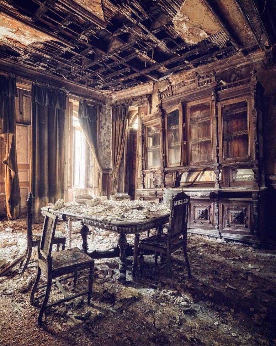Заброшенные здания и замки со всей Европы