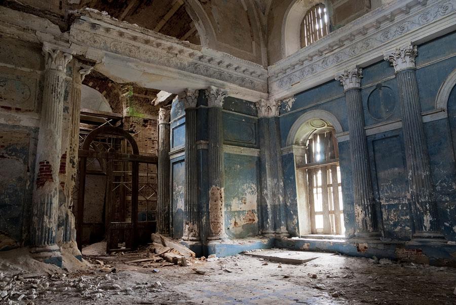 Разрушенная Казанская церковь (Ярополец):