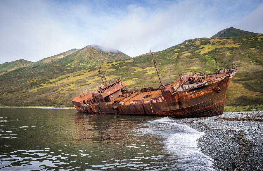 Брошенный корабль на Камчатке