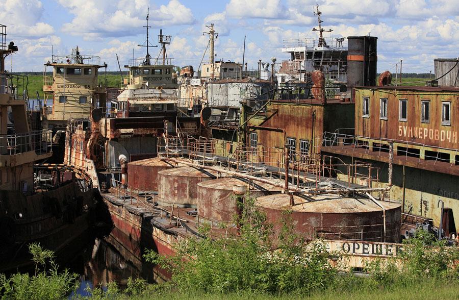 Брошенные корабли российского флота