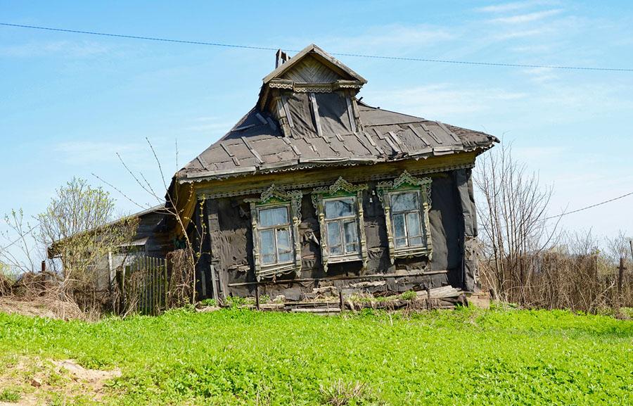 Старый разрушенный дом в Подмосковье