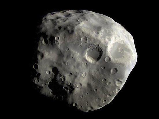 Необычные спутники Солнечной системы