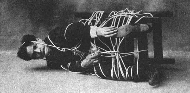 Гарри Гудини: фотографии великого иллюзиониста