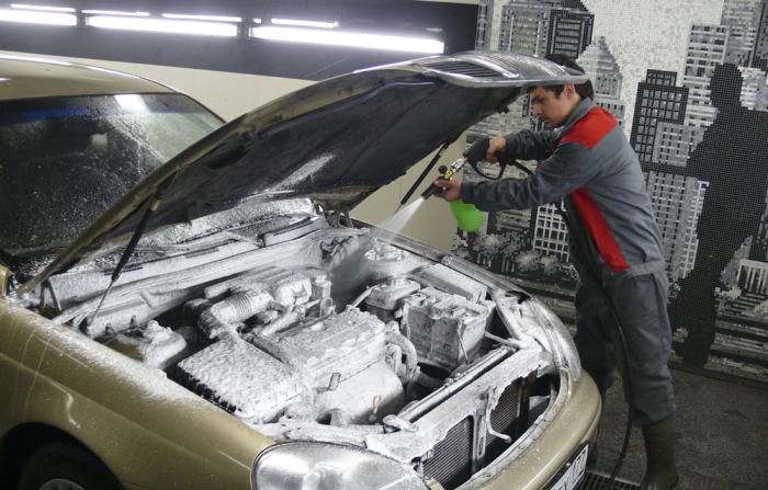 Как правильно помыть автомобильный мотор