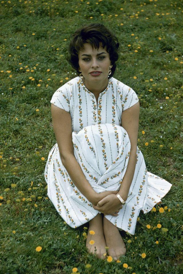 Красивые фотографии Софи Лорен, сделанные Лумисом Дином в Риме в 1957 году