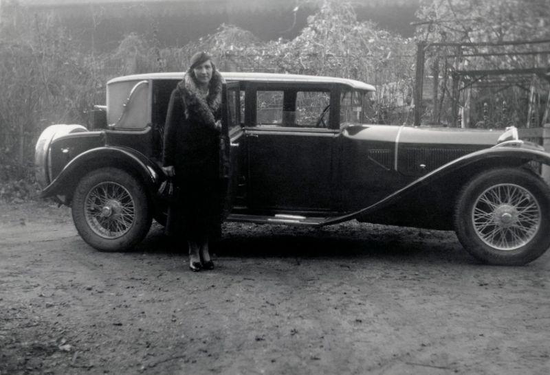 20 фотографий людей, позирующих у автомобилей Lancia в 1920-1960-ые годы