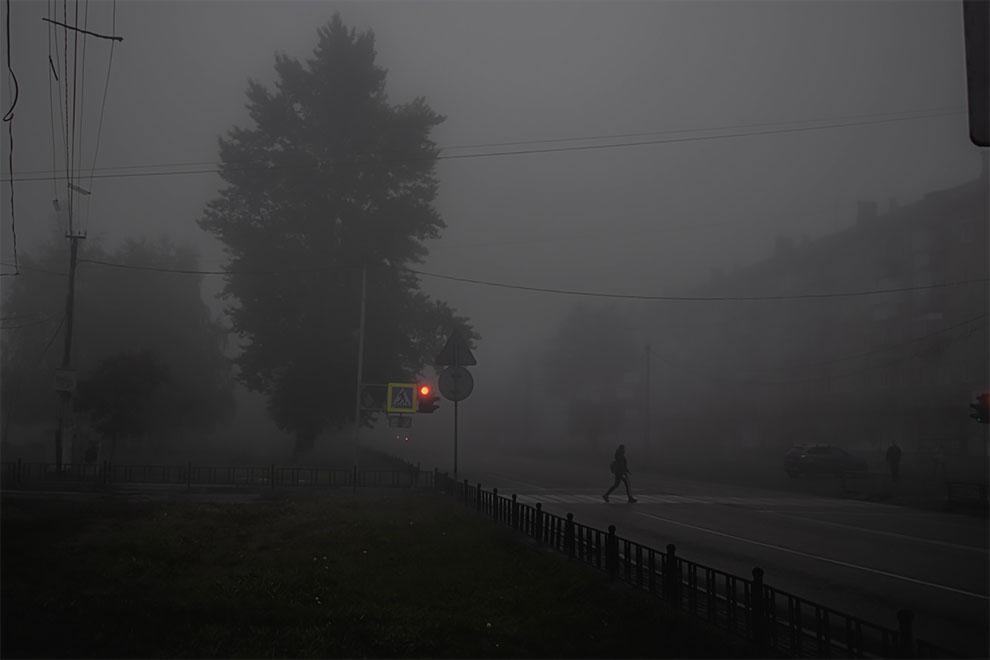 Мрачные фотографии утреннего тумана в Копейске