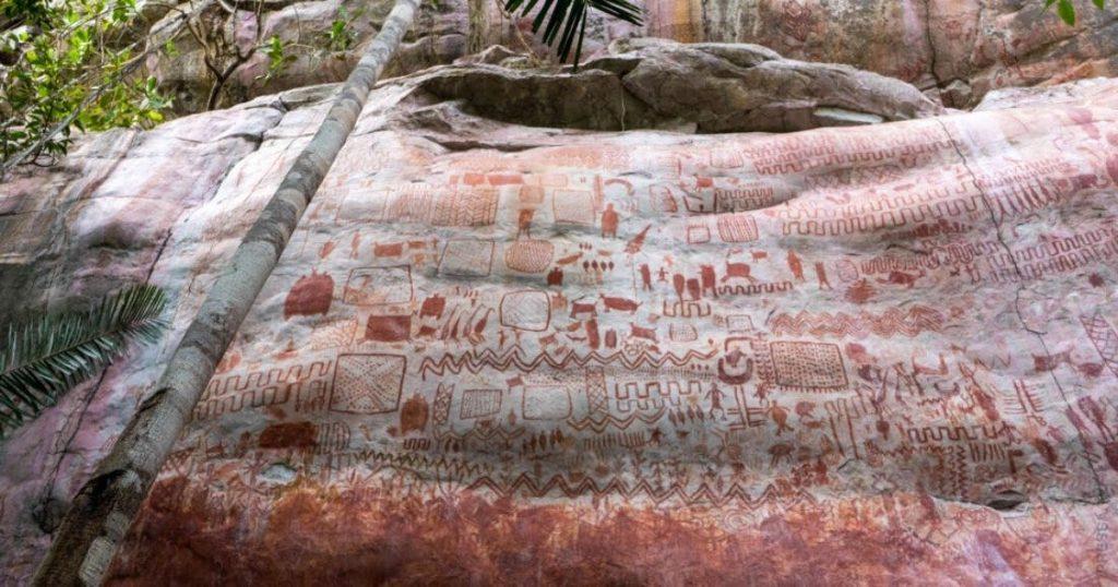Древняя наскальная живопись в Колумбии