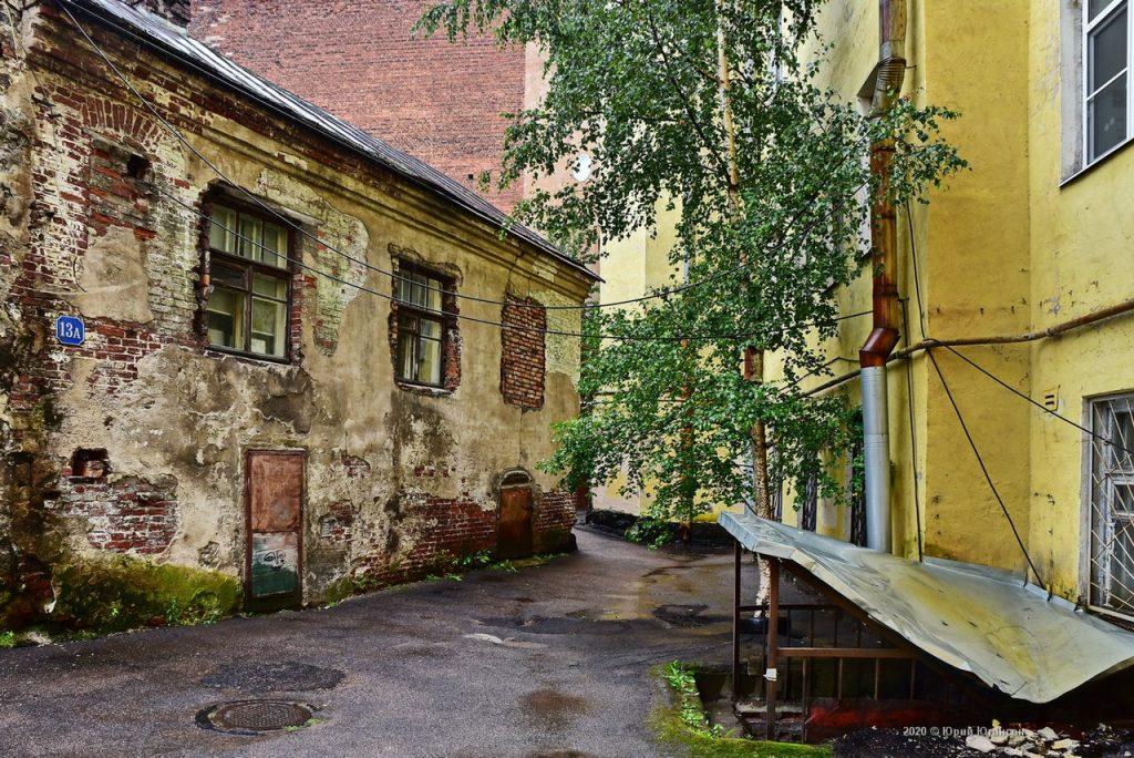 Самый старый жилой дом в России